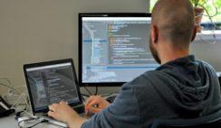 lucreaza de acasa dezvoltator software